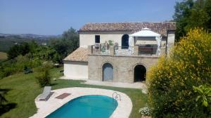 Country Villa with Pool - AbcAlberghi.com