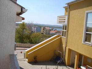 Apartments with a parking space Povljana Pag 15532