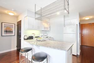 Pelican Suites at North York, Appartamenti  Toronto - big - 19
