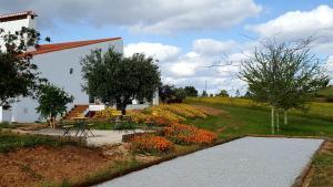 Cantar Do Grilo - Turismo Rural, Vendégházak  Vales Mortos - big - 24