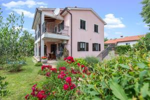 Apartments Radovic