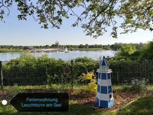 obrázek - Leuchtturm am See