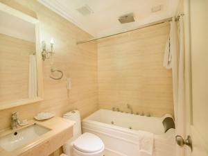 A&EM 280 Le Thanh Ton Hotel & Spa, Hotely  Hočiminovo Mesto - big - 39