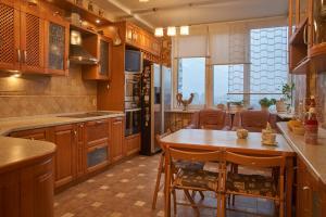 Royal Apartment on Petrozavodskaya, Ferienwohnungen  Moskau - big - 38