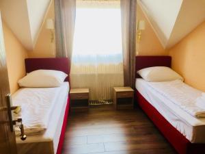 Hotel Imperium, Szállodák  Alsómarác - big - 58