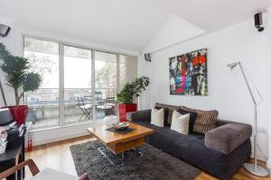 Penthouse BAYSWATER SK