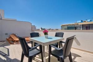 Mellieha Penthouse with views