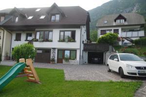 Apartments Ktrenc