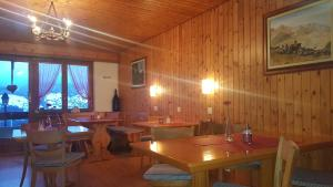 Pension Kastel, B&B (nocľahy s raňajkami)  Zeneggen - big - 56