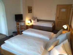 Hotel Pension Lindenhof, Guest houses  Prien am Chiemsee - big - 8