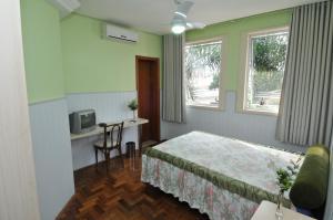 Hotel Ivo De Conto, Hotely  Porto Alegre - big - 26