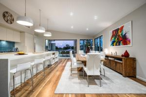 Luxury Tropical Haven - Pacific Avenue, Sunshine Beach