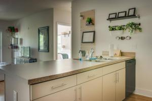 COMFY 2BR APT IN ARTS & ENTERTAINMENT DISTRICT, Apartmány  Charlotte - big - 26