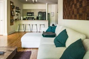 COMFY 2BR APT IN ARTS & ENTERTAINMENT DISTRICT, Apartmány  Charlotte - big - 17