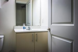 COMFY 2BR APT IN ARTS & ENTERTAINMENT DISTRICT, Apartmány  Charlotte - big - 40