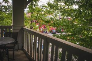 COMFY 2BR APT IN ARTS & ENTERTAINMENT DISTRICT, Apartmány  Charlotte - big - 2