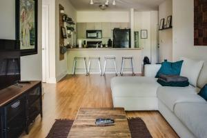 COMFY 2BR APT IN ARTS & ENTERTAINMENT DISTRICT, Apartmány  Charlotte - big - 3