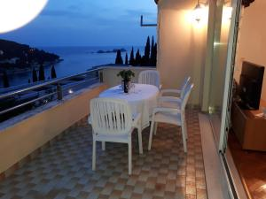 Best4You Apartment No1 - sea view -70 m2 - 2 bedrooms