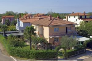 Apartments & Rooms Barbara - Petrovija