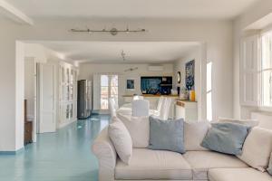 Elegante Attico panoramico a 2 passi dal mare - AbcAlberghi.com