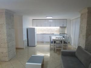 Luxury duplex Armand Durres, Apartmanok  Golem - big - 10
