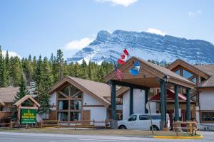 Banff Rocky Mountain Resort - Hotel - Banff