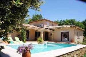 Beautiful holiday cottage with private swimming pool in Cotignac in the Haut Var in Provence