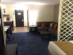 Best Western Plus Portland Airport Hotel & Suites, Hotels  Parkrose - big - 73