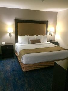 Best Western Plus Portland Airport Hotel & Suites, Hotels  Parkrose - big - 72