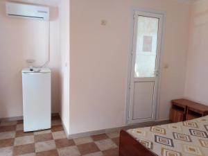 Guest House Ostrov Sokrovishch, Гостевые дома  Лоо - big - 100