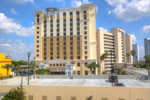 Ramada Plaza by Wyndham Orlando Resort Near Universal