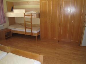 Jugend- und Familiengästehaus Heiligenblut, Hostelek  Heiligenblut - big - 68