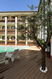 Club Hotel e Residence La Vela, Szállodák  Nago-Torbole - big - 24