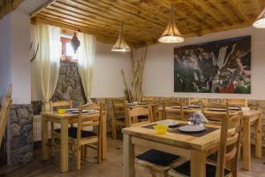 Rustic Lodge Plitvice, Bed and Breakfasts  Jezerce - big - 31