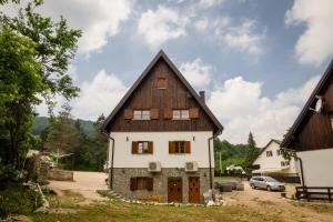 Rustic Lodge Plitvice, Bed and Breakfasts  Jezerce - big - 29