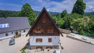 Rustic Lodge Plitvice, Bed and Breakfasts  Jezerce - big - 26