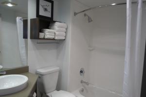 Country Inn & Suites by Radisson, La Crosse, WI, Hotels  La Crosse - big - 58