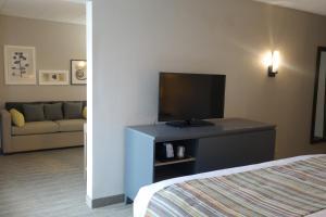 Country Inn & Suites by Radisson, La Crosse, WI, Hotels  La Crosse - big - 61