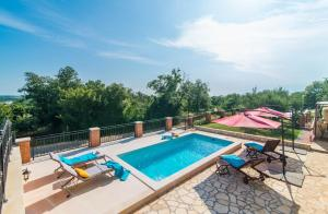 Apartment Nono with shared pool
