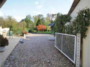 Three-Bedroom Holiday Home in La Chapelle Sur Dun, Nyaralók  La Chapelle-sur-Dun - big - 13