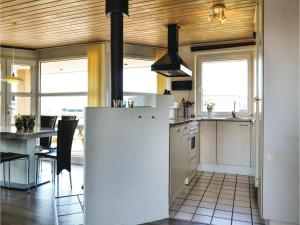 Four-Bedroom Holiday Home in Hvide Sande, Nyaralók  Hvide Sande - big - 23