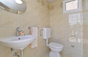 Apartments Mile 1249, Apartments  Fažana - big - 93