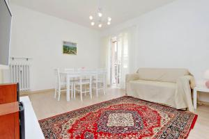 Balestra Halldis Apartment - abcRoma.com