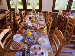 Guesthouse Green Valley, Affittacamere  Jezerce - big - 77