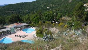 VVF Villages « Les Collines de Saint-Tropez » La Garde-Freinet, Üdülőközpontok  La Garde-Freinet - big - 10