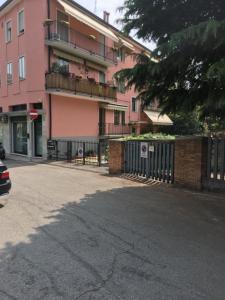 condominio manzoni n 64 - AbcAlberghi.com