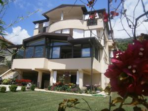 Villa Koceski, Appartamenti - Peštani