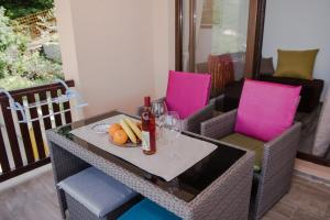 Sunset Holiday Home, Ferienhäuser  Tivat - big - 28