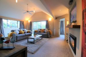 obrázek - Distinctive Stylish and Spacious Family Home