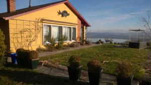 Swiss Borzoi House, Bed and Breakfasts  Bellerive - big - 36